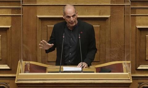 Βαρουφάκης: Ένοχη η κυβέρνηση για όσα δεν έκανε στο ΕΣΥ