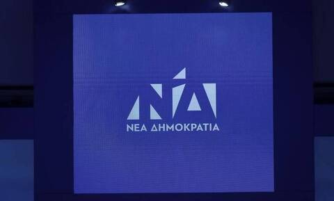 ΝΔ κατά ΣΥΡΙΖΑ:  Δεν κρύβουν την ενόχλησή τους για την υιοθέτηση της πρότασης του Κυριάκου Μητσοτάκη