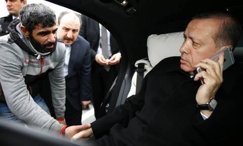 Τουρκία: Ο Ερντογάν ληστεύει τη χώρα του - Αρπάζει χρυσό ενός δισ. δολαρίων από κοσμηματοπωλεία