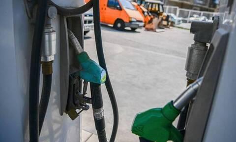 «Φωτιά» οι τιμές βενζίνης και πετρελαίου θέρμανσης – Πόσο έχουν ακριβύνει στο εξάμηνο