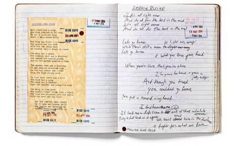 Σπάνιες φωτογραφίες και στίχοι του Nick Cave στο βιβλίο «Stranger Than Kindness»
