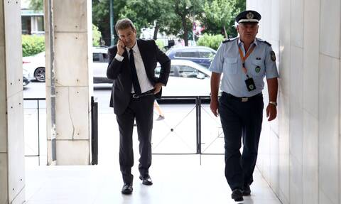 Στη ΓΑΔΑ ο Μιχάλης Χρυσοχοΐδης: «Έβαλε χέρι» στην ομάδα «Δράση» για τα επεισόδια στη Νέα Σμύρνη