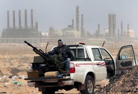 DW: H Λιβύη «από τη Σκύλλα στη Χάρυβδη», 10 χρόνια μετά τους ΝΑΤΟϊκούς βομβαρδισμούς