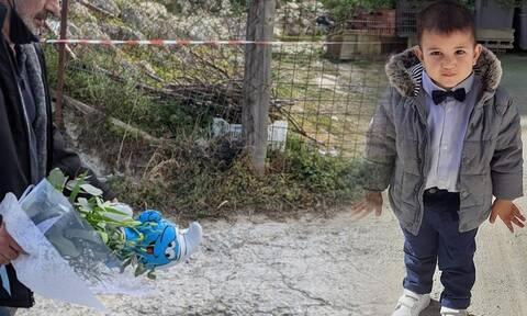 Κρήτη: Σπαραγμός και ανείπωτος θρήνος στην κηδεία του μικρού Ζαχαρία (pics)