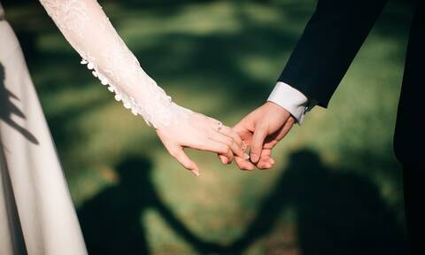 Πότε θα επιτραπούν γάμοι και βαπτίσεις – Η απάντηση Χαρδαλιά