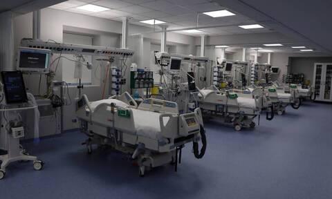 Τζανάκης στο Newsbomb.gr: Τα νοσοκομεία στενάζουν - Δεν ήταν η ώρα για να ανοίξουν κάποιοι τομείς