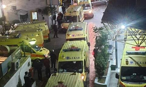 Νοσοκομείο «Ευαγγελισμός»: Η εφιαλτική εφημερία και η φωτογραφία με τα ασθενοφόρα που σόκαρε