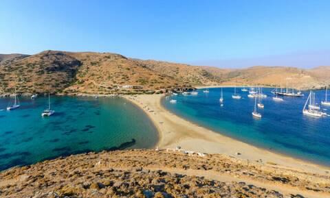 Τέτοια παραλία μόνο στην Ελλάδα θα τη βρεις