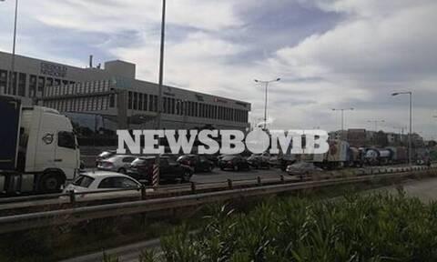 Κίνηση ΤΩΡΑ: Χάος στον Κηφισό μετά από δύο τροχαία - Πού εντοπίζονται προβλήματα