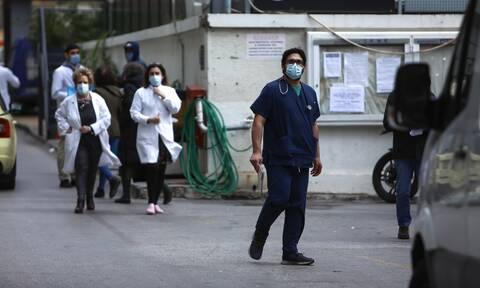 Επίταξη: «Φύλλα πορείας» σε 206 γιατρούς για τη «μάχη» με τον κορονοϊό - Η διαδικασία