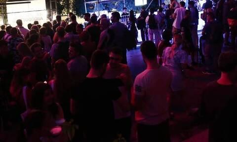 Κέρκυρα: Έφοδος της ΕΛΑΣ σε μπαρ – Γινόταν πάρτι με 15 άτομα παρά το lockdown