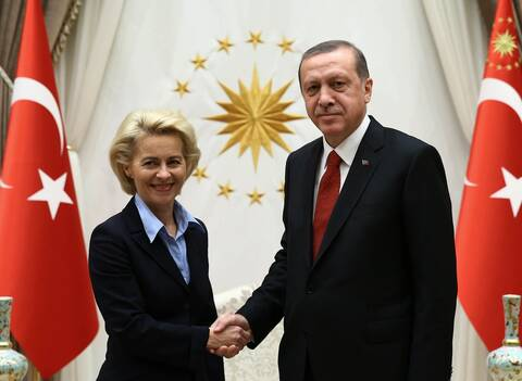 Bloomberg: Κλιμάκωση των κυρώσεων προς την Τουρκία αν επιδεινωθεί η κατάσταση στη Μεσόγειο