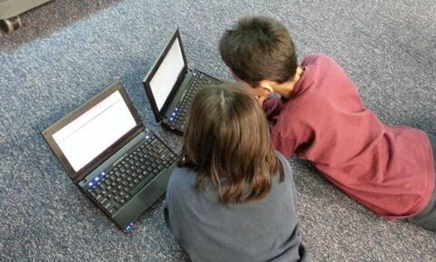 Voucher 200 ευρώ για laptop και tablet: Πότε ξεκινούν οι αιτήσεις - Ποιοι είναι οι δικαιούχοι