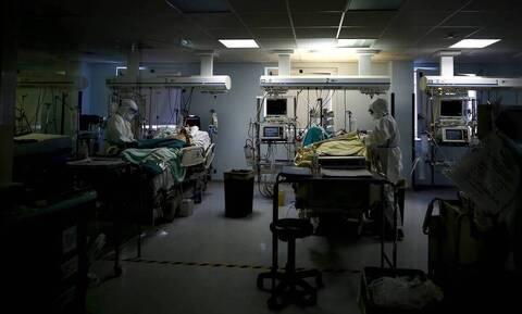 Αποκαρδιωτικές εικόνες στο νοσοκομείο Νίκαιας: Διασωληνωμένοι ασθενείς εκτός ΜΕΘ σε κοινό θάλαμο