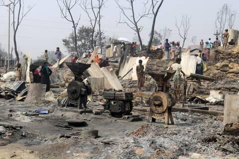 Τραγωδία στο Μπανγκλαντές: Δεκάδες νεκροί και εκατοντάδες αγνοούμενοι από πυρκαγιά