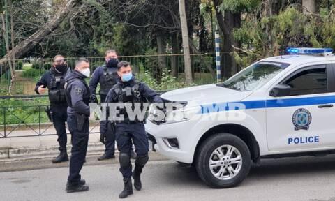 Ρεπορτάζ Newsbomb.gr: Αυτές είναι οι κάμερες που θα έχουν στις στολές τους οι Αστυνομικοί