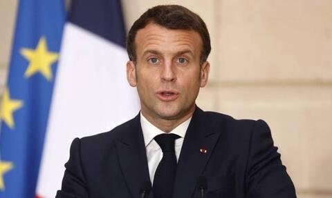 Γαλλία: Ο πρόεδρος Μακρόν καλεί Ρωσία και Τουρκία να αποσύρουν τις δυνάμεις τους από τη Λιβύη