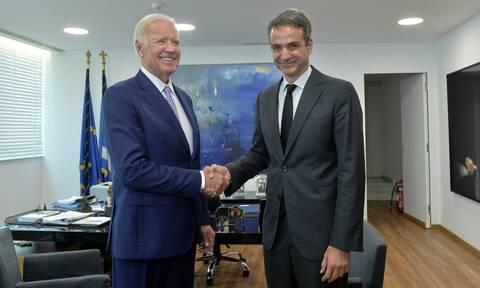 Κυβερνητικές πηγές στο Newsbomb.gr: Υψίστης συμβολικής σημασίας η επικοινωνία Μητσοτάκη - Μπάιντεν