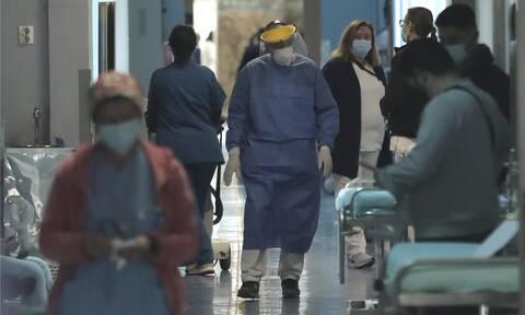Δύσκολη νύχτα για τα νοσοκομεία της Αθήνας: Εφημερίες τρόμου με γεμάτες ΜΕΘ και προσωπικό στα όρια