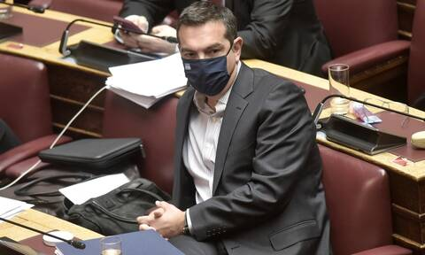 Στα ύψη το πολιτικό θερμόμετρο - Προειδοποίηση Τσίπρα προς Μητσοτάκη για Ειδικά Δικαστήρια