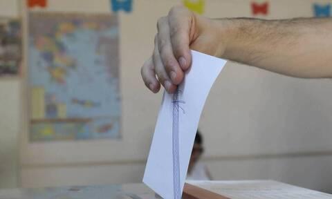 Νέα δημοσκόπηση: Η διαφορά ΝΔ -ΣΥΡΙΖΑ και η πανδημία -Αποτελεσματικότερος υπουργός ο Παναγιωτόπουλος