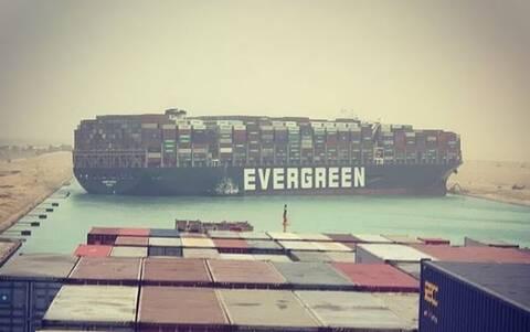 «Φράκαρε» η Διώρυγα του Σουέζ: Προσάραξη γιγαντιαίου πλοίου μεταφοράς κοντέινερ