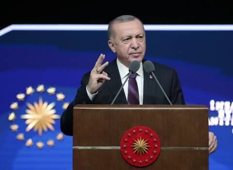 Ο «χορός» του Ερντογάν: Δεν γυρνάμε την πλάτη μας ούτε στη Δύση ούτε στην Ανατολή