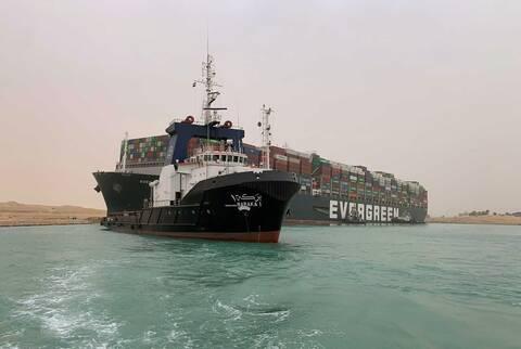 Αποκόλληση του πλοίου που μπλόκαρε τη Διώρυγα του Σουέζ