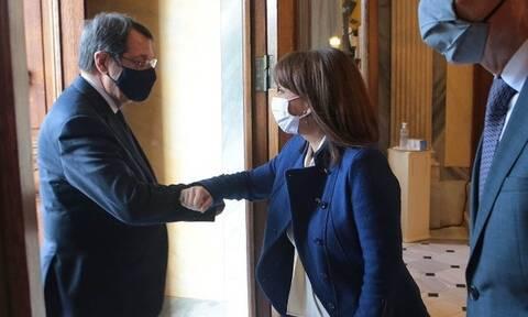 Σακελλαροπούλου σε Αναστασιάδη: «Η Ελλάδα θα στηρίζει πάντοτε τα δίκαια του Κυπριακού Ελληνισμού»