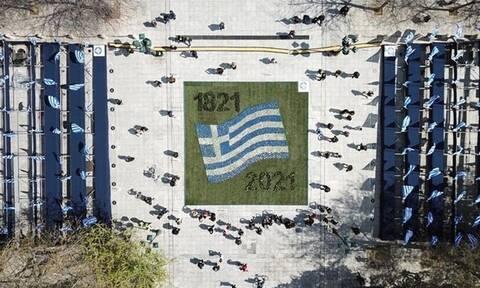 25η Μαρτίου: Ετσι στολίζεται η Αθήνα για τα 200 χρόνια από την Ελληνική Επανάσταση