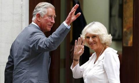 LIVE: Η άφιξη του πρίγκιπα Καρόλου στην Αθήνα για τα 200 χρόνια από την Επανάσταση