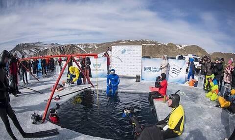 Βουτιά-ρεκόρ 80 μέτρων κάτω από τον πάγο για Ρώσο δύτη στη Σιβηρία