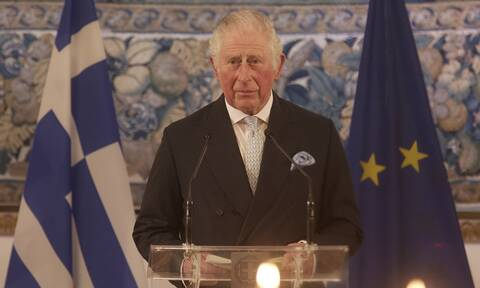 25η Μαρτίου: Το «ζήτω η Ελλάς» από τον Κάρολο, η στήριξη Μακρόν και το τηλεφώνημα Μπάιντεν