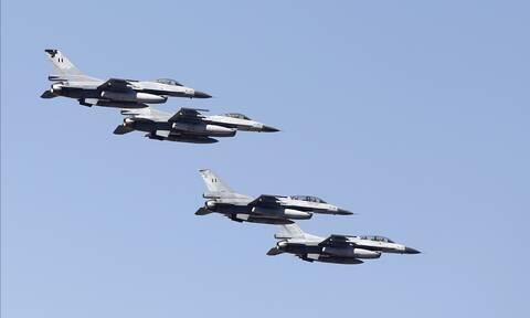 25η Μαρτίου: Η στιγμή που μαχητικά F-16 «σκίζουν» τον ουρανό της Θεσσαλονίκης (pics+vid)