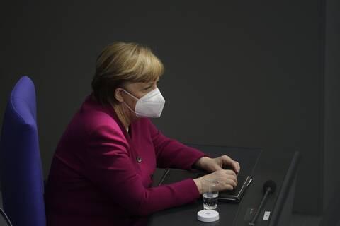 Μέρκελ: Αν δεν προμηθευόμασταν εμβόλια από κοινού, θα κλυδωνιζόταν η ΕΕ