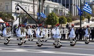 В Афинах прошел военный парад в честь 200-летия греческой освободительной революции