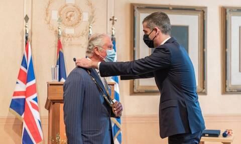 Πρίγκιπας Κάρολος: Τιμήθηκε με το Χρυσό Μετάλλιο Αξίας της Πόλεως των Αθηνών – Το μήνυμά του