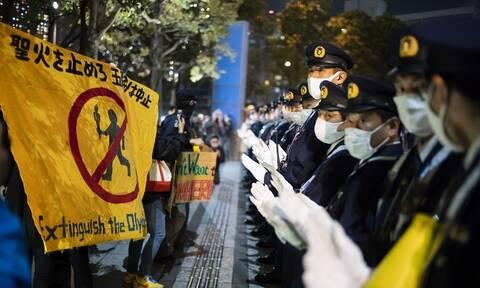 Ολυμπιακοί Αγώνες: Λαμπαδηδρομία με... φωνές! - Έντονες διαμαρτυρίες στο Τόκιο
