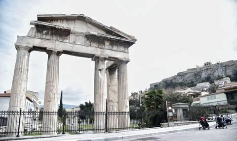 Βασιλακόπουλος στο Newsbomb.gr: Βρισκόμαστε στην κορύφωση της πανδημίας - Αισιοδοξία για το Πάσχα