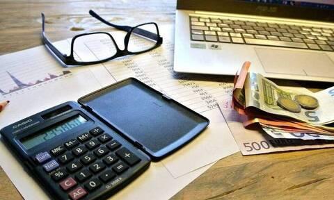Γιατί καθυστερεί η υποβολή των φορολογικών δηλώσεων