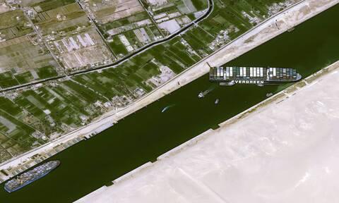 Διώρυγα του Σουέζ: Το καθηλωμένο Ever Given από το διάστημα - Απίστευτες εικόνες
