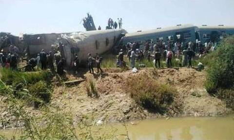 Σύγκρουση τρένων στην Αίγυπτο - Τουλάχιστον 32 νεκροί, δεκάδες τραυματίες (vids)