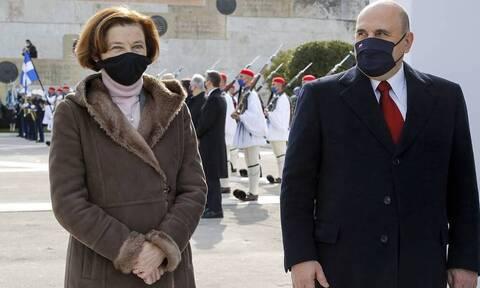 Мишустин принял участие в возложении венков к памятнику Неизвестному солдату в Афинах