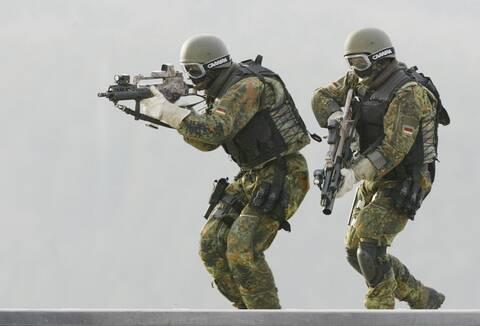 DW: Οι  γερμανικές ειδικές δυνάμεις KSK στη «σκιά» της ακροδεξιάς
