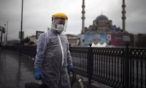 Τουρκία - Κορονοϊός: Πιο αυστηρά μέτρα για να ελεγχθεί η πανδημία ζητούν οι γιατροί της χώρας