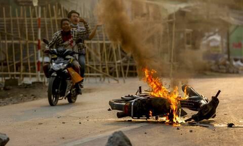 Μιανμάρ: Ο επικεφαλής της στρατιωτικής χούντας υπόσχεται ξανά διεξαγωγή εκλογών