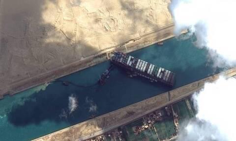 Διώρυγα του Σουέζ: Καρέ-καρέ η προσάραξη του Ever Given - Συνεχίζονται οι προσπάθειες