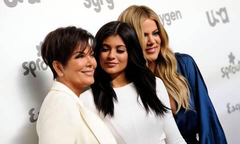 Θα πάθεις πλάκα μόλις δεις πώς ήταν οι Kardashians-Jenners πριν τις πλαστικές