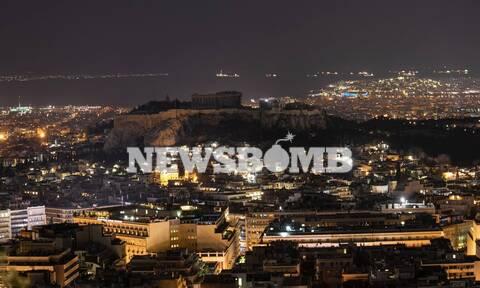 Ώρα της Γης: Στο σκοτάδι η Ακρόπολη για την προστασία του περιβάλλοντος – Εντυπωσιακές εικόνες