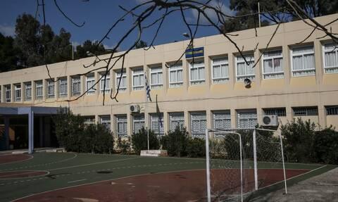 Κορονοϊός - Σχολεία: Πότε ανοίγουν - Τι θα γίνει με τις Πανελλήνιες